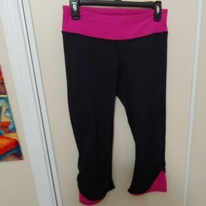 Athleta Capri Yoga pants S